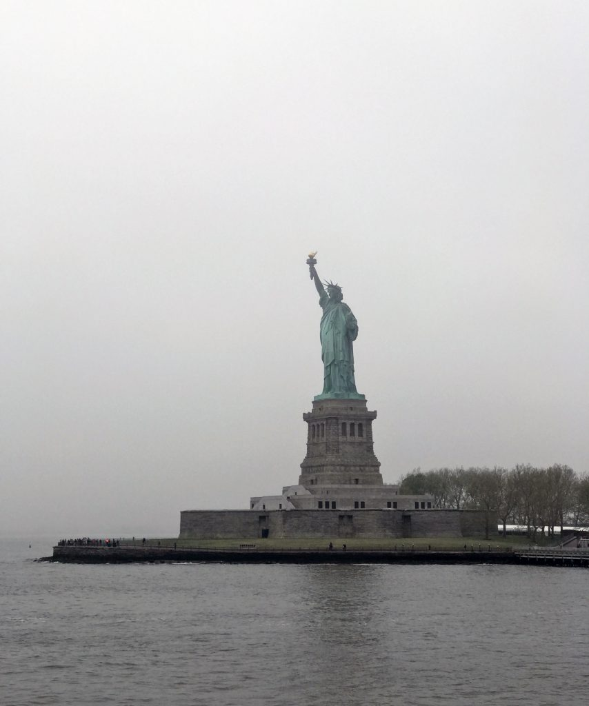 NEW-YORK_STATUE_DE_LA_LIBERTE_CAROINTHESIXTIES